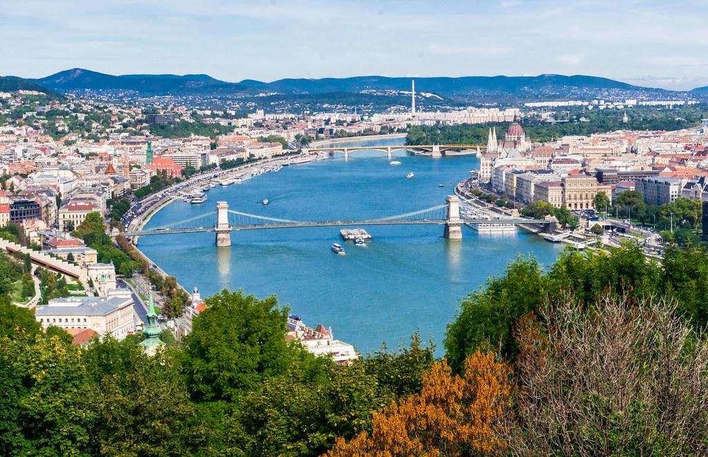 Budapest-destination-atypique-villes-europennes-pour-vivre-et-travailler